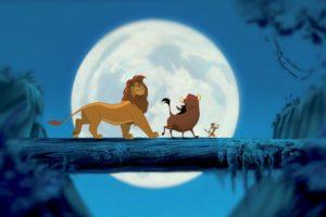 Simba, Pumbaa et Timon, trois principaux personnages du Roi Lion