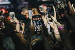 Selon Goldman Sachs, le développement de la 5G cette année permettra la vente de plus de 200 millions de nouveaux smartphones dans le monde.
