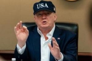 Donald Trump dans le Bureau Ovale de la Maison Blanche.